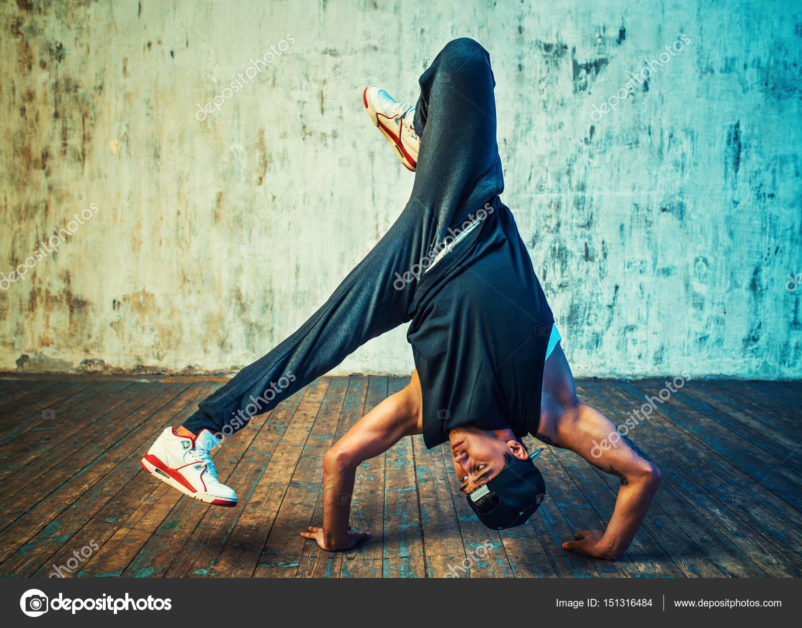 Jovem break dance — Stock Photo © chaoss #151316484