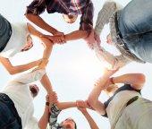 Fotografie pohled zdola. úspěšný obchodní tým
