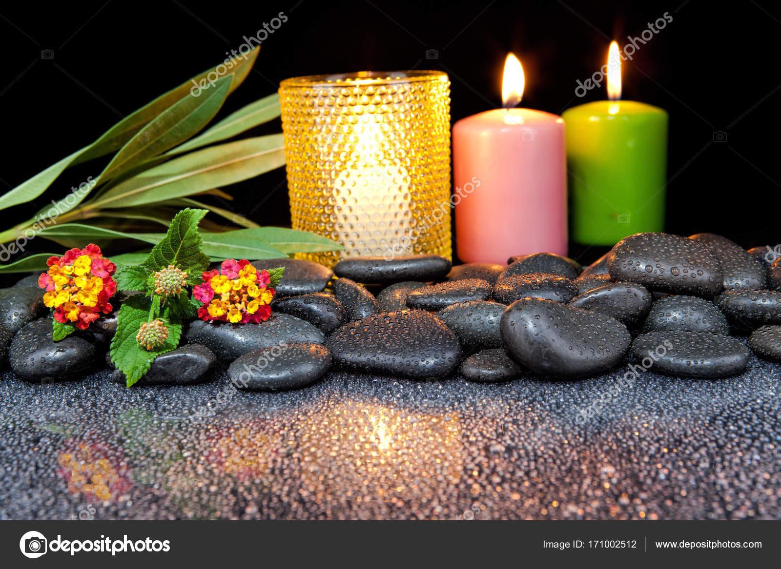 Decoration De Spa concernant décoration de spa avec des pierres et des bougies sur un fond noir