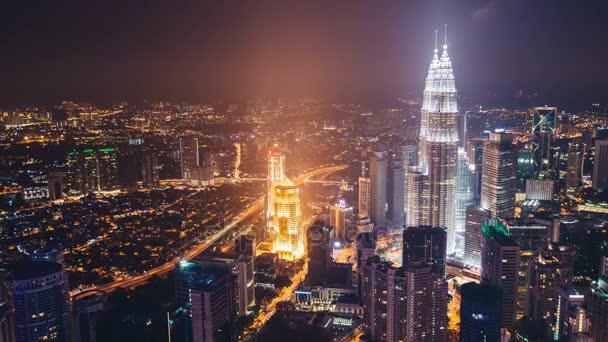 Kuala Lumpur, Malajzia, 2015. November 12.: tetőtéri gyorsított a felhőkarcoló petronas tornyok Kuala Lumpur