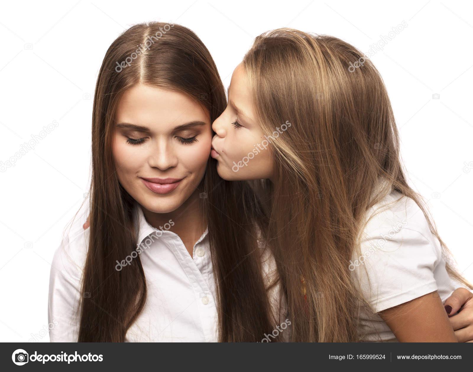 Фото нежных лесбийских поцелуев, голые блондинки в видео