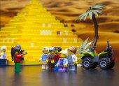 Rusko, 12. dubna 2018. Konstruktor Lego Classic - Minifigurki l