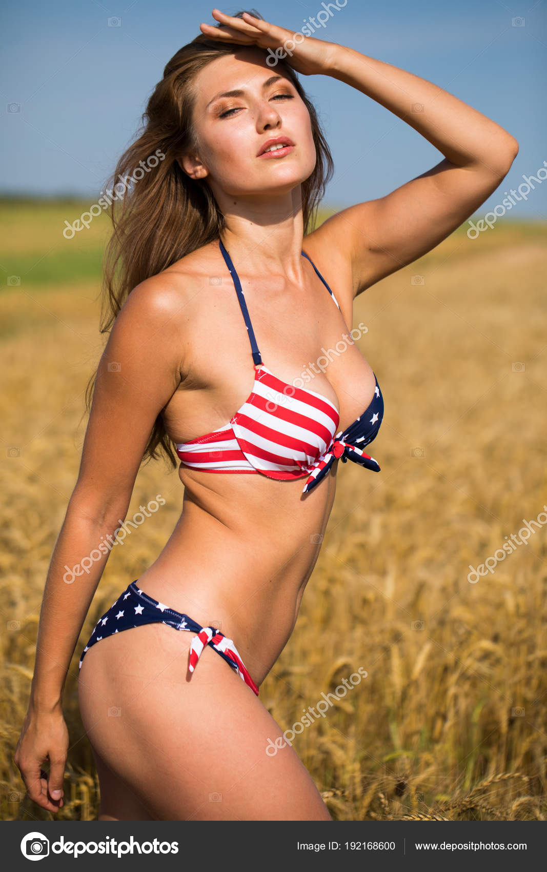 Bir Buday Alannda Seksi Amerikan Bayra Bikinili Seksi -5383