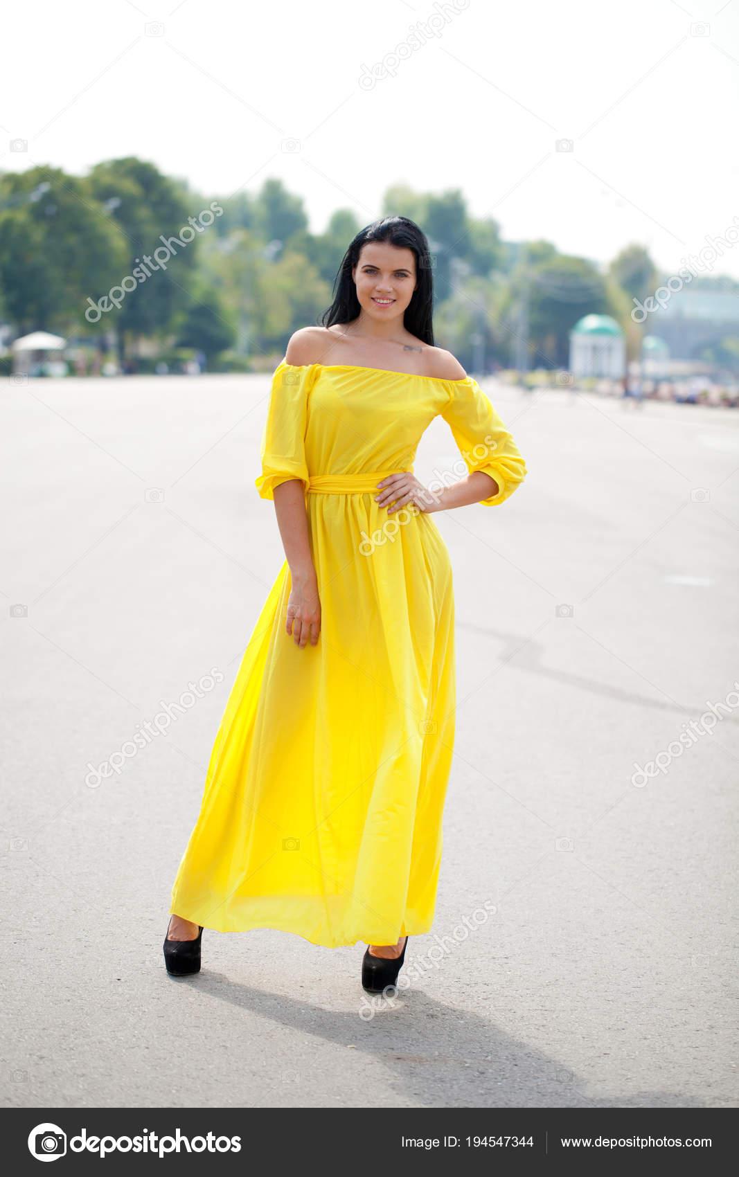 mooie gele jurk