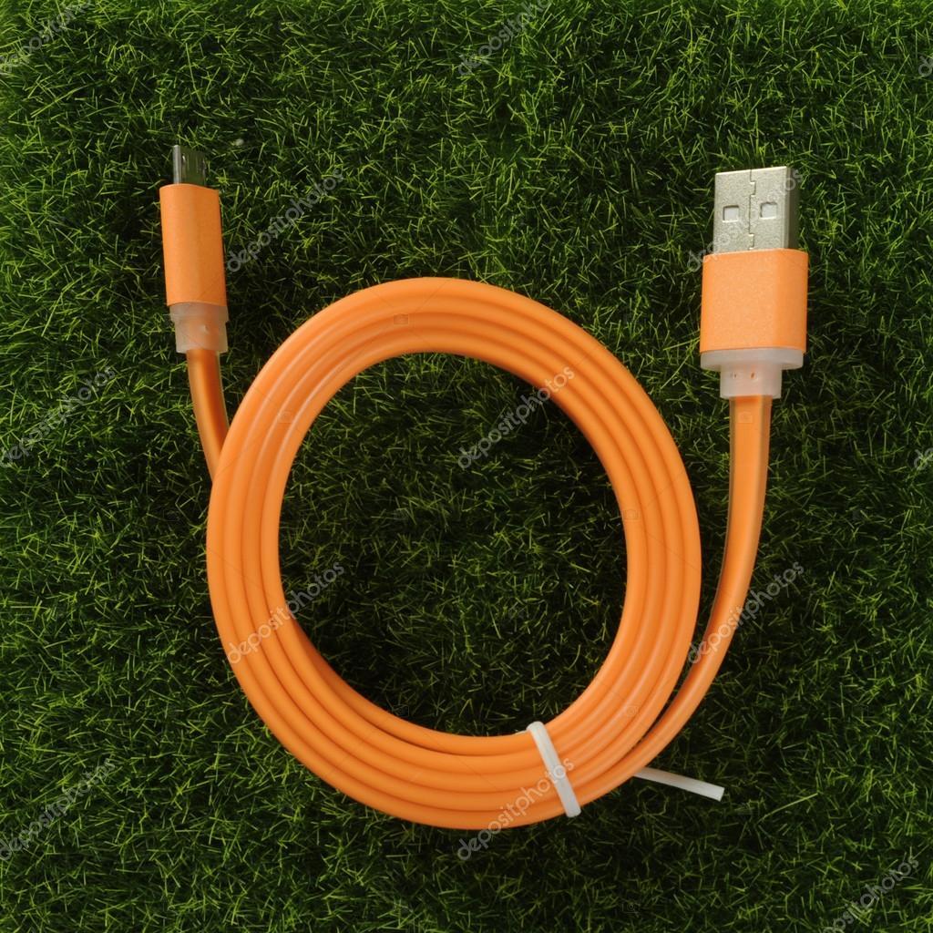 USB Kabel-Ladegerät — Stockfoto © nanka-photo #126549586