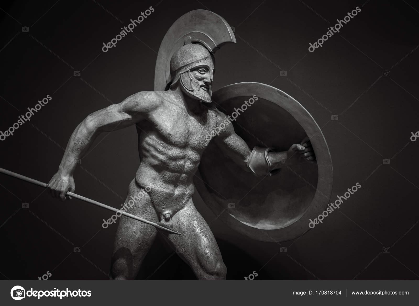 Homme Au Casque La Sculpture Grecque Antique Du Guerrier