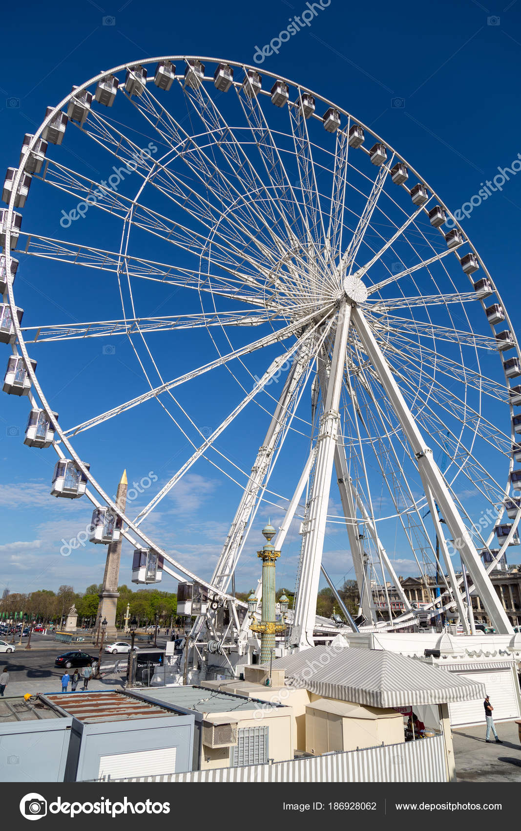 paris france march 27 2017 ferris wheel roue de paris at place de