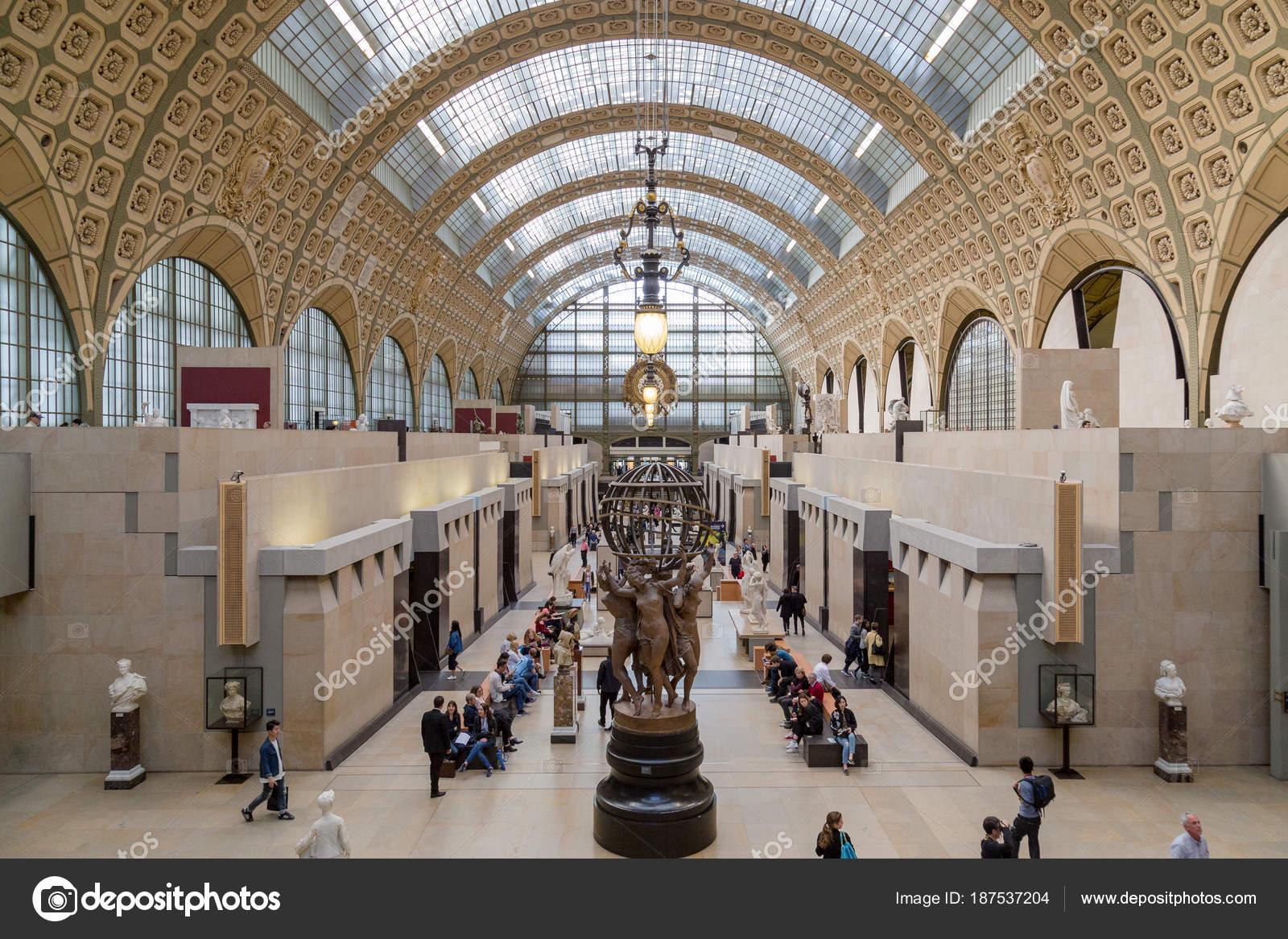 Paris, Frankreich, 28. März 2017: Besucher in das Musee Dorsay in ...