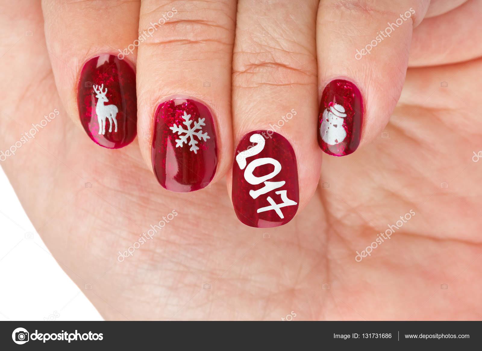 fingernagel mit weihnachten muster isoliert auf weiem hintergrund foto von violin - Muster Fr Fingerngel