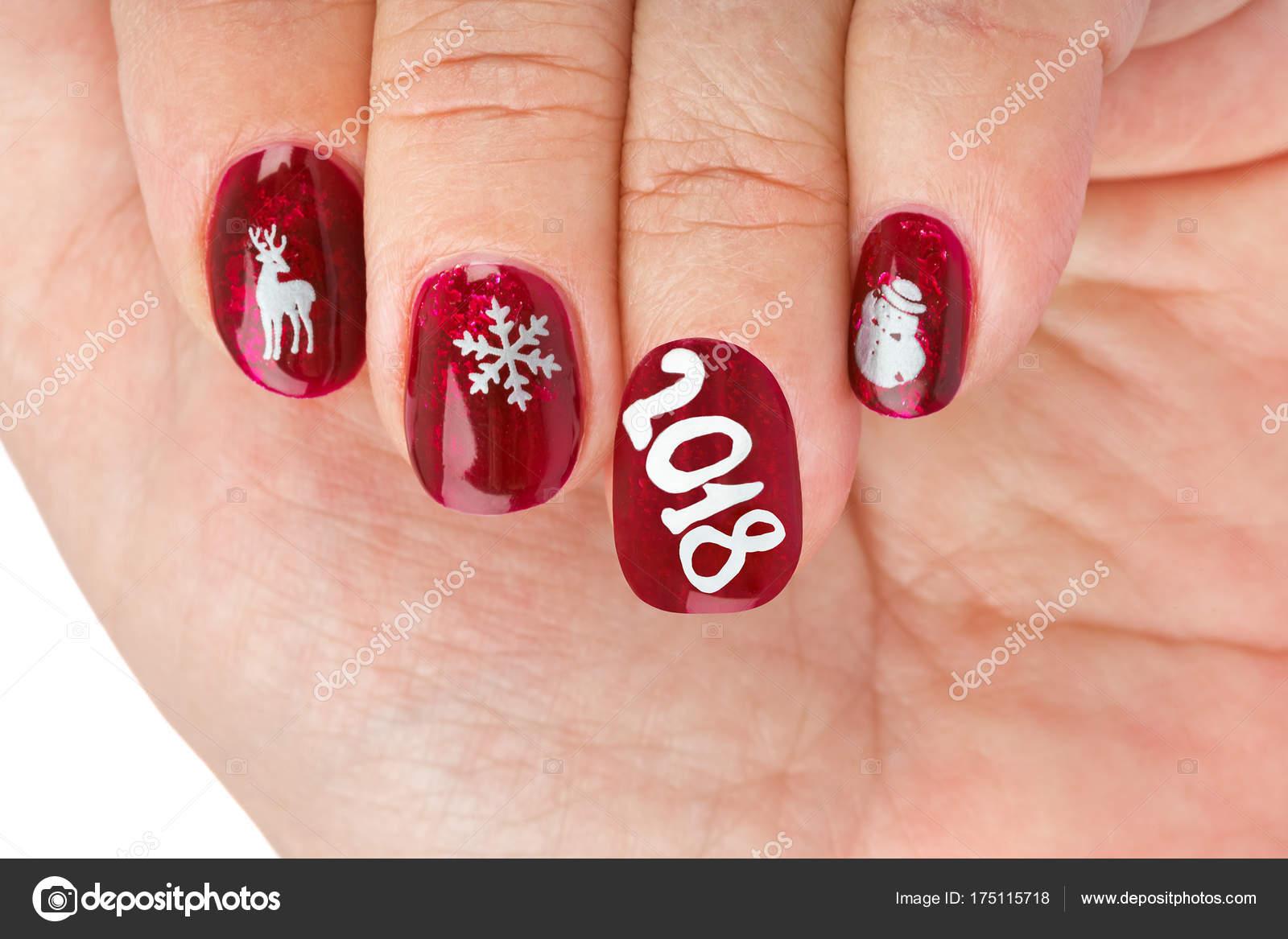 Astounding Muster Fingernägel Beste Wahl Fingernagel Mit Weihnachten Isoliert Auf Weißem Hintergrund