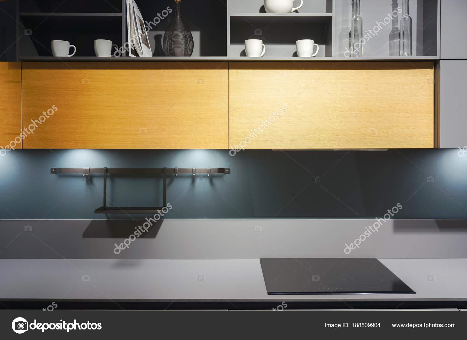 Mobili Cucina Moderna Con Piano Cottura Elettrico — Foto Stock ...