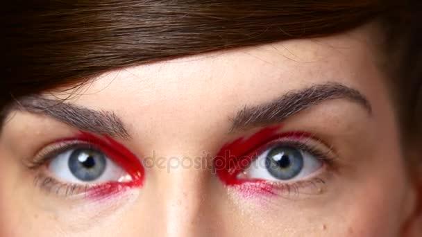 Krásné ženské oči. Detail samice oči s barevný make-up