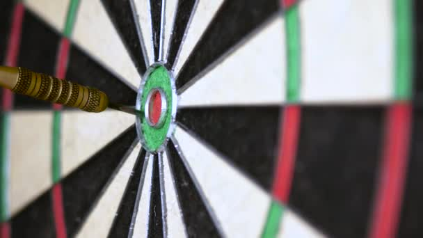 Darts esik a bika. Pontosan az a cél-, sport- és üzleti motiváló erő