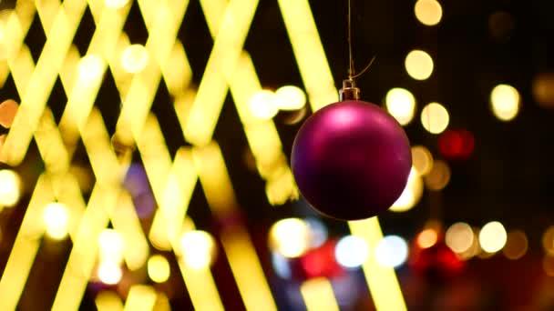 Vánoční ozdoby na pozadí vánoční věnce