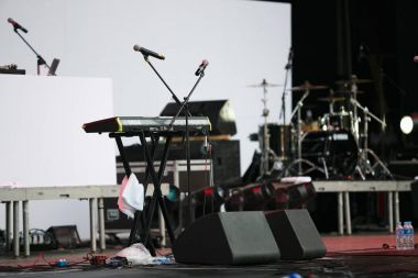 Keyboard piano setup for concert on stage