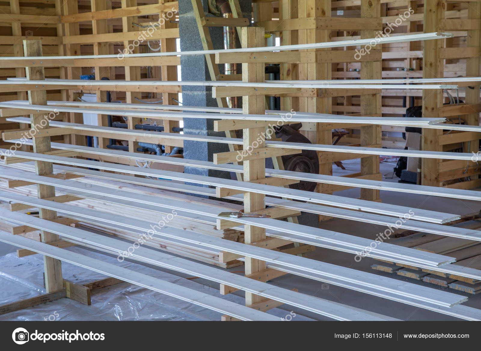 Construcción de una casa de marco de madera — Fotos de Stock ...