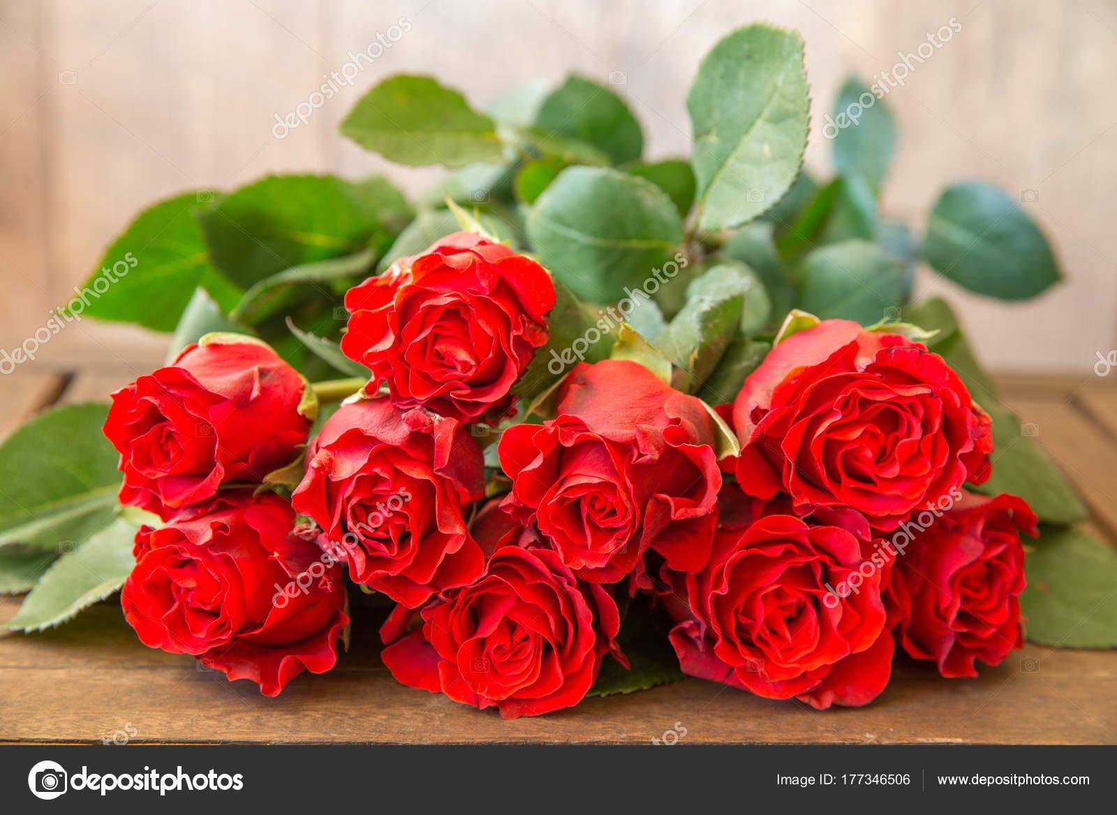 Valentinstag Hintergrund Mit Roten Rosen Valentinstag