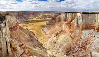 Sandstone hoodoos in Coal Mine Canyon