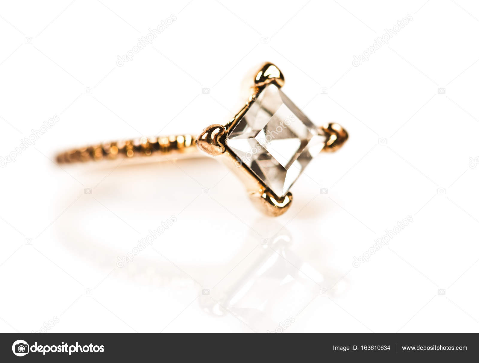 Beautiful golden ring — Stock Photo © valphoto #163610634