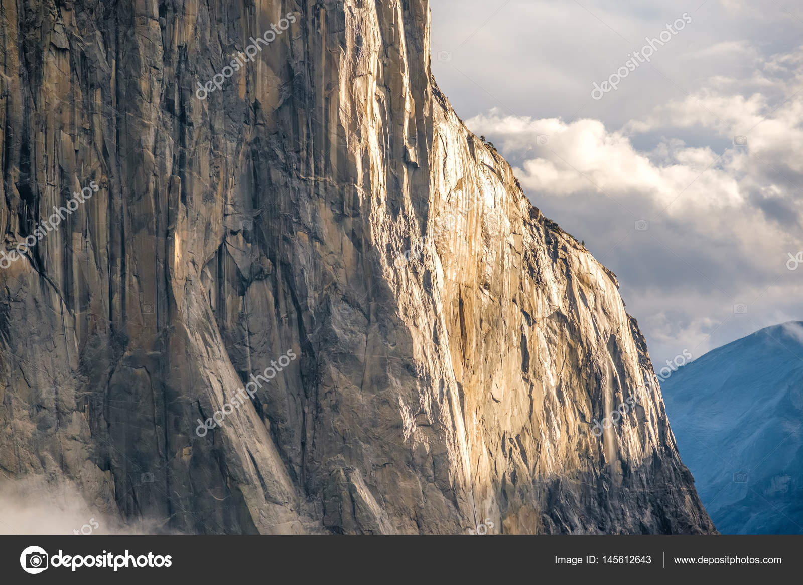 Klettersteig Yosemite : Yosemite nationalpark u2014 stockfoto © haveseen #145612643
