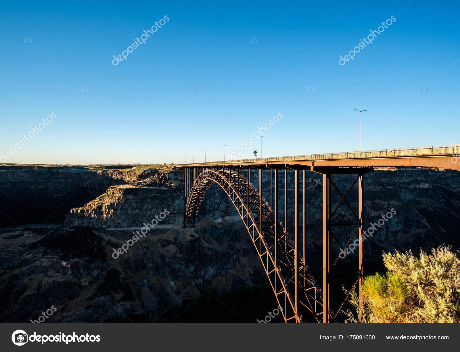 Snake River Perrine Bridge Twin Falls Idaho Usa Stock Photo