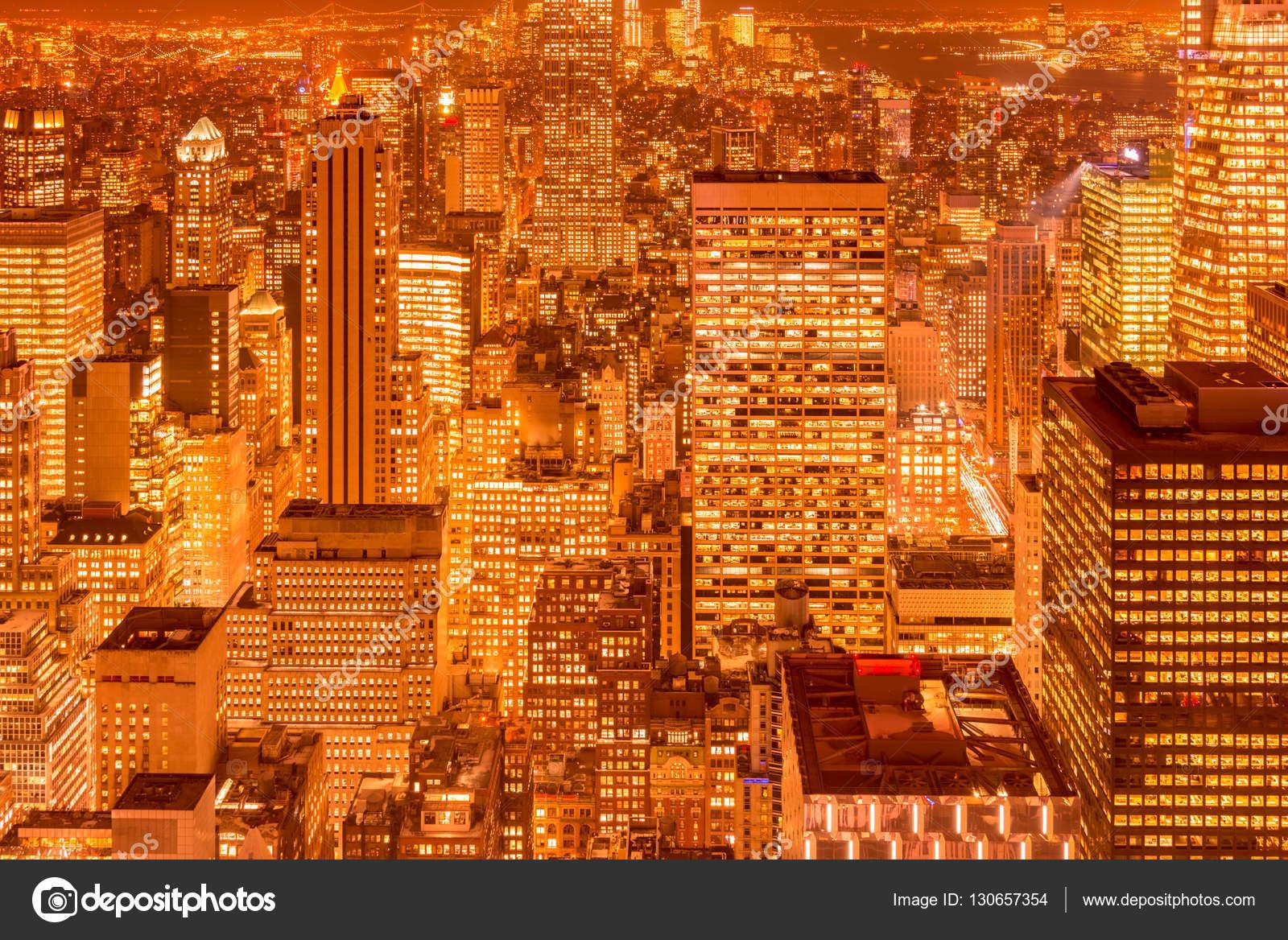 Vue de nuit de manhattan de new york pendant le coucher du - Coucher du soleil new york ...