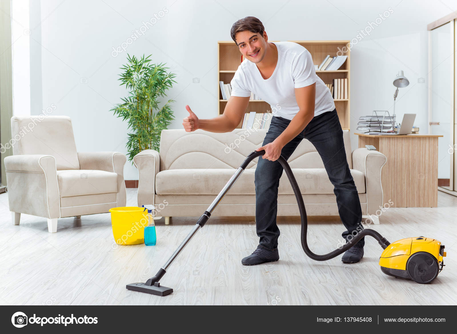 Casa de limpieza cool ocho productos de limpieza que for House cleaning stock photos