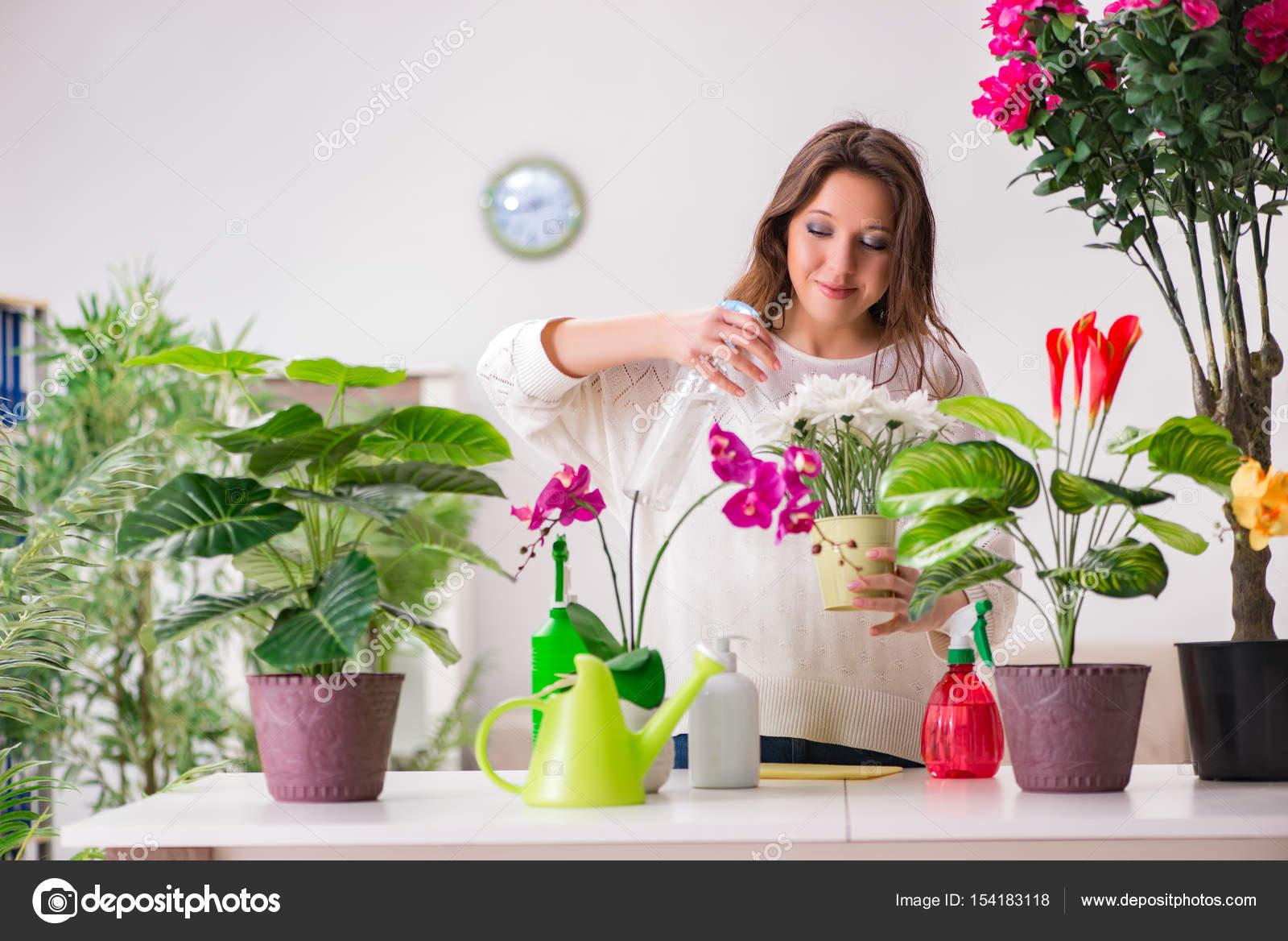 Frauen sucht nach pflanzen [PUNIQRANDLINE-(au-dating-names.txt) 57