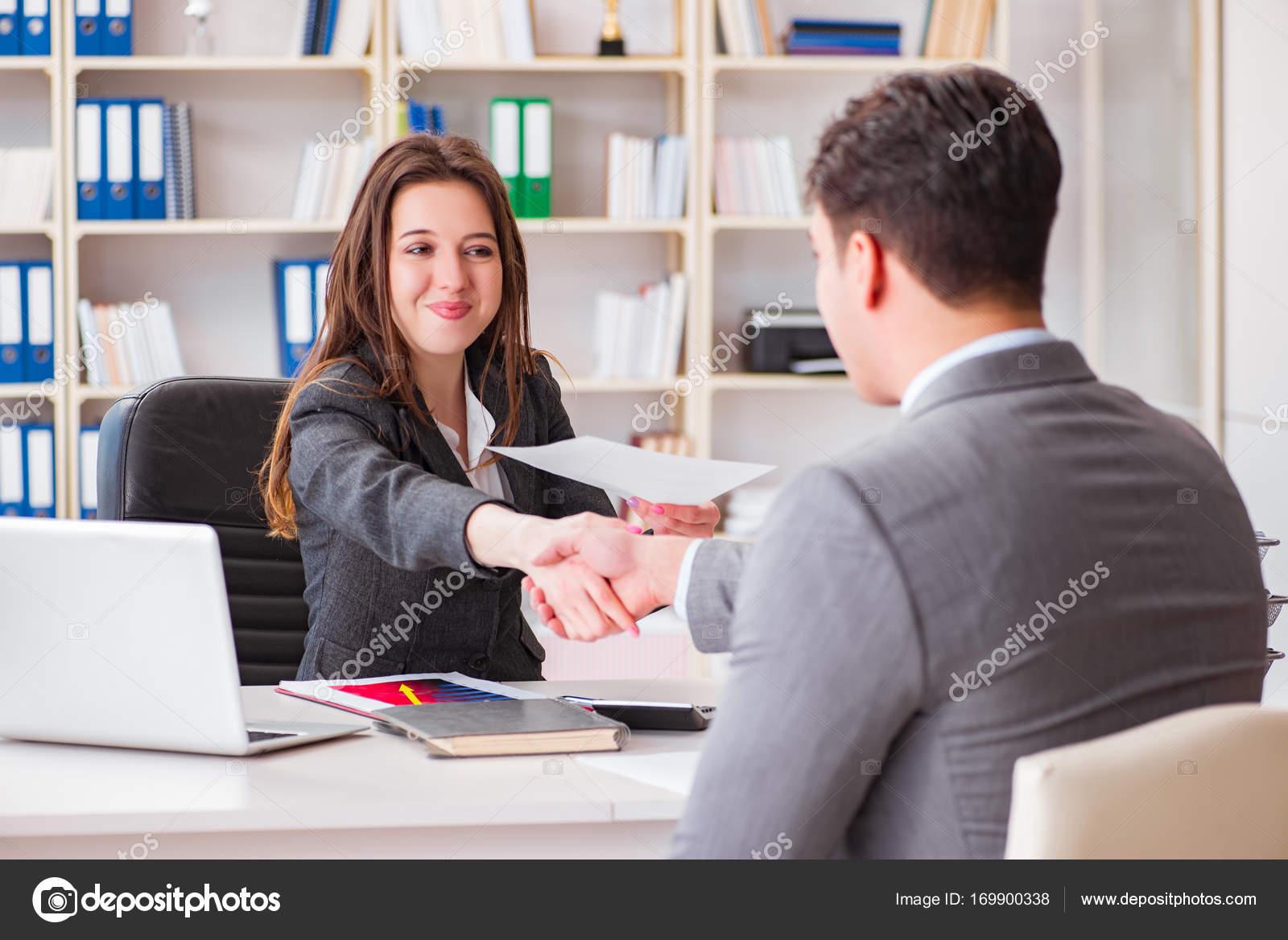 Rencontre femme d-affaire