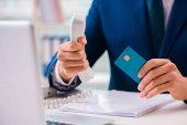 Ember bankkártyával online