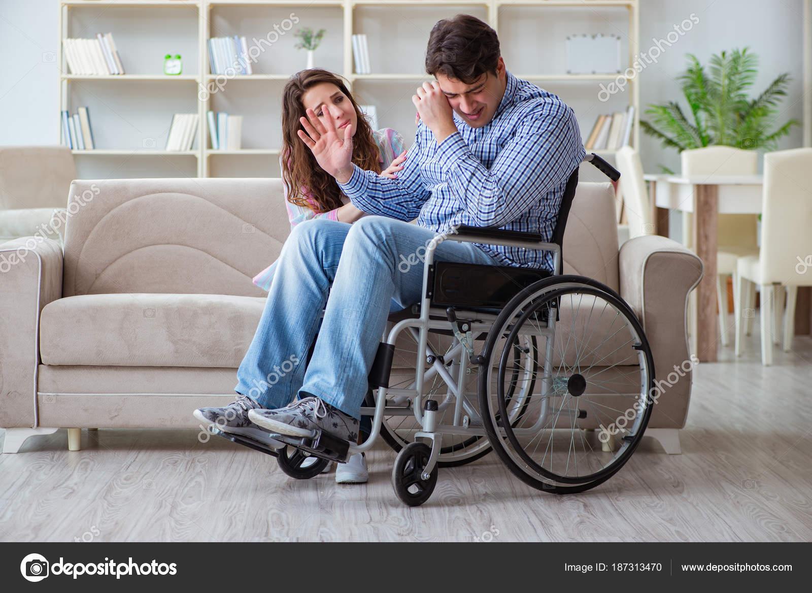 Im genes ver personas discapacitadas desesperada persona discapacitada en silla de ruedas - Tamano silla de ruedas ...