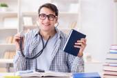 Student medicíny na přednášce na univerzitě