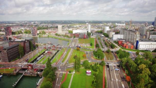 Pohled z Rotterdamu z výšky