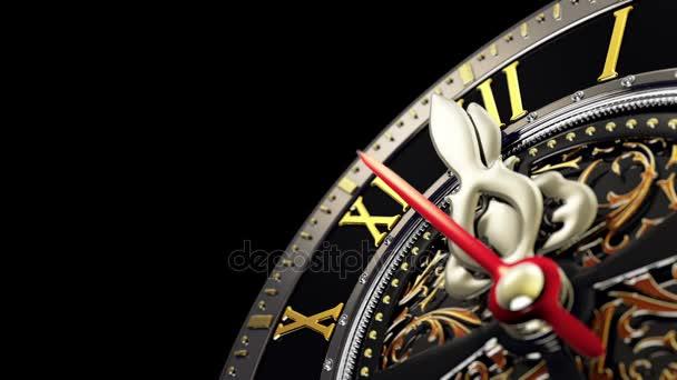 Nový rok o půlnoci - staré hodiny s hvězdami sněhové vločky na černém pozadí. 4k