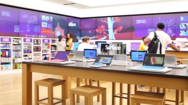 Povrch - Microsoft Store v Bostonu