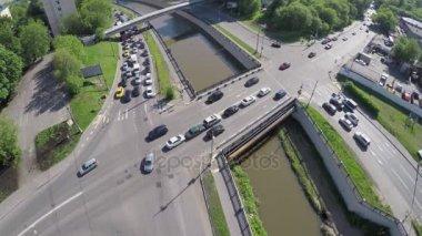 Silniční dopravy na nábřeží a most