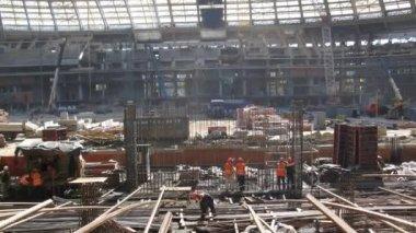 Práce na stavbě stadionu Lužniki