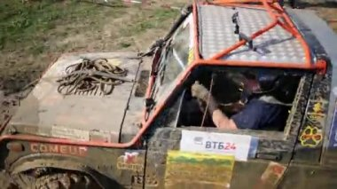 Dirty car goes in off-road competition