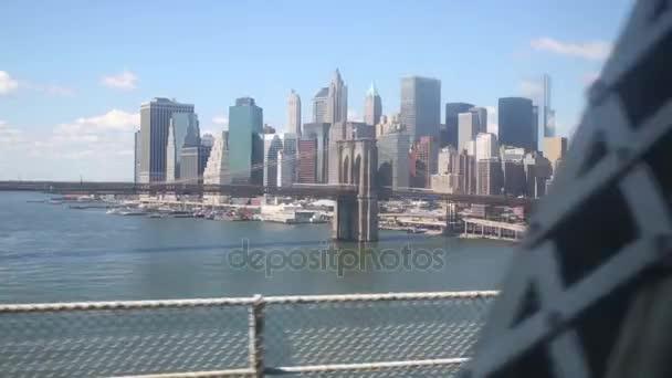 Pohyb na Queensboro Bridge v New York city