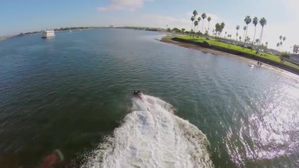 létání na vodě jet pack
