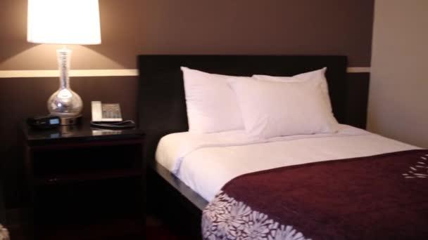Malé útulné ložnice se dvěma lůžky