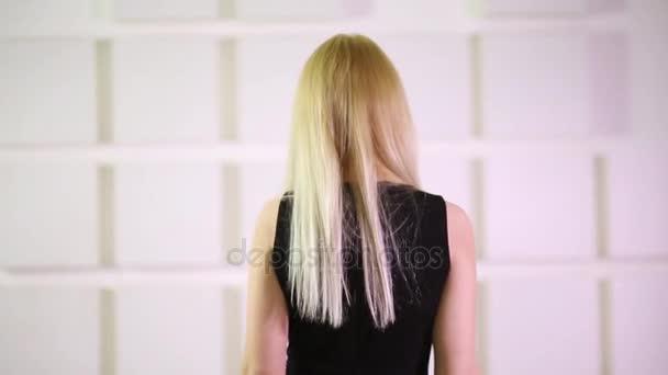 Видео черный с блондинкой