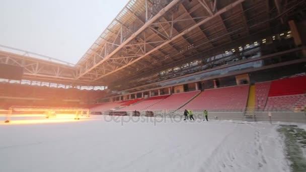 Moskva – 25. prosince 2014: Spartak stadion během sněžení. Nový stadion je součástí seznam objektů pro hry bude hrát na Mistrovství světa ve fotbale 2018