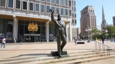 PHILADELPHIA, USA - SEPTEMBER 02, 2014: Statue of former Mayor Frank Rizzo near Municipal services building at sunny day