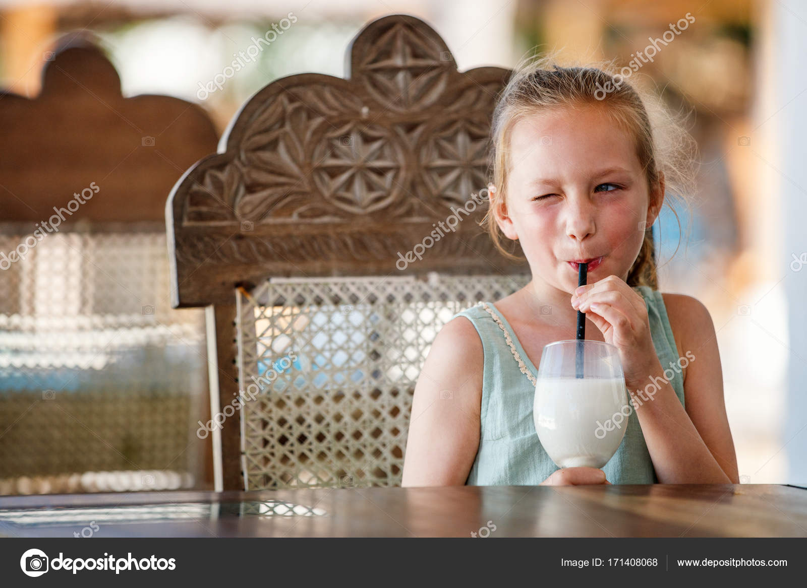 beber tailandés pequeña