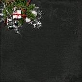 Vánoční pozadí s jedle a ozdoby na tmavý dřevěný