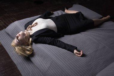 Crime scene (imitation). Strangled business woman