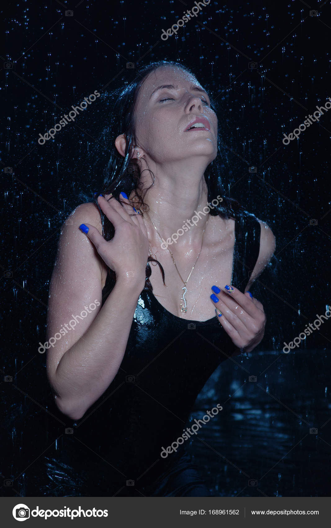 Сексуальноя под дождем