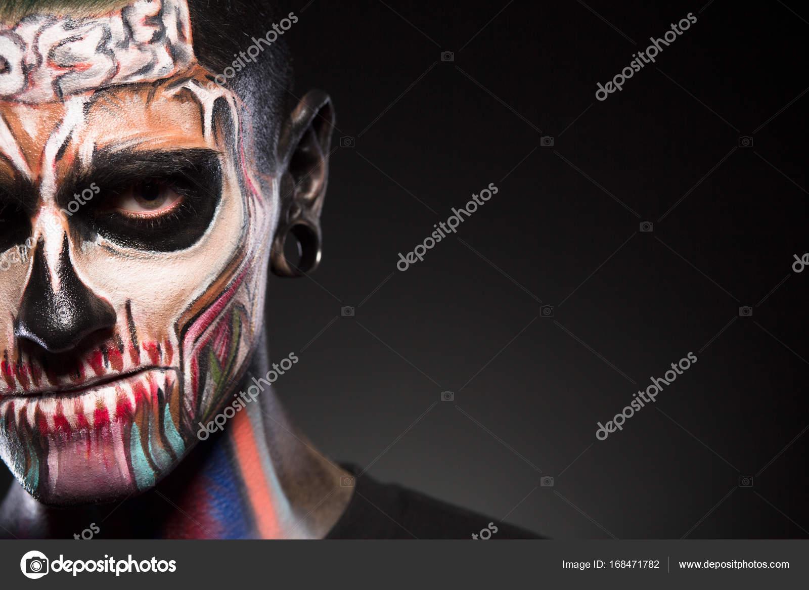 Maquillaje De La Cara De Zombie Hombre Fotos De Stock - Maquillaje-zombie-hombre