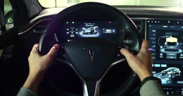 intrieur de la cabine de la voiture tesla model x video